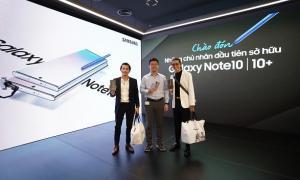 Liên Bỉnh Phát chơi lớn mua hẳn Galaxy Note10+ tặng sinh nhật BB Trần