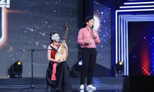 """Trấn Thành, Hari Won """"ngất"""" vì giọng hát của """"thánh cover"""" triệu view Hương Ly"""
