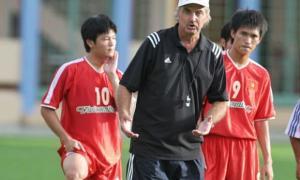 Cựu huấn luyện viên của đội tuyển Việt NamCựu huấn luyện viên của đội tuyển Việt Nam - Alfred Riedl qua đời ở tuổi 71