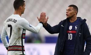 Sốc: Ronaldo chính thức nối gót Neymar 'dính đòn' Covid