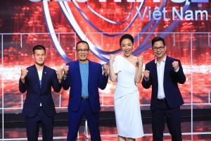 """Ngồi ghế giám khảo với MC Lại Văn Sâm, nam đạo diễn bị """"ném đá"""" thậm tệ"""