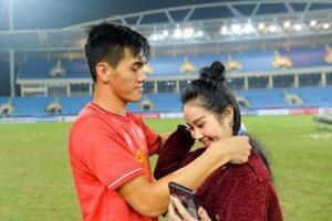 Lấy chồng ngay sau khi chia tay cầu thủ Tiến Linh, sau 9 tháng Ngọc Quyên đón con đầu lòng bụ bẫm