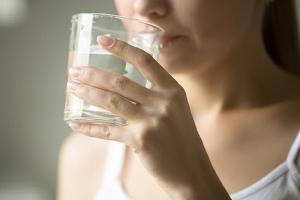 Gặp 6 dấu hiệu này sau khi uống nước chứng tỏ cơ thể có bệnh nguy hiểm, chớ dại chủ quan
